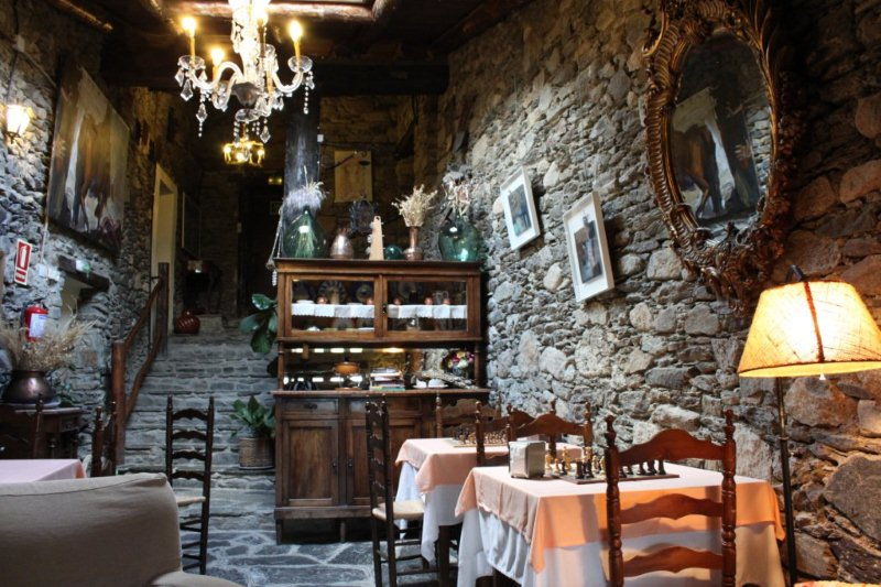 where to eat in la cerdanya near puigcerd restaurant at the can borrell rural hotel